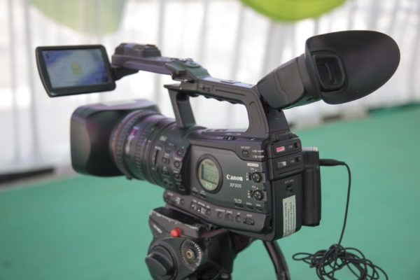 video-camera-1197571_1920